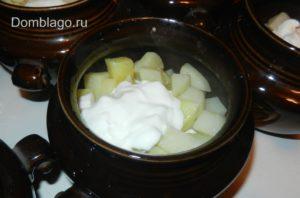 жаркое +в горшочках со свининой +и картошкой,