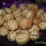 Печенье орешки со сгущёнкой. Старый рецепт с фото